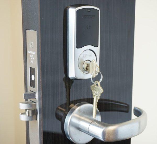 commercial locksmith solution